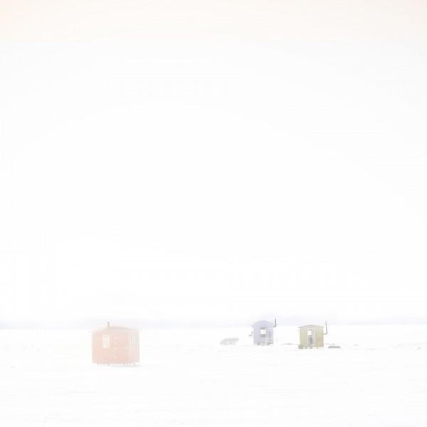 Les petites maisons qui envoyaient la main #1 - Les femmes. ©Julie Beauchemin